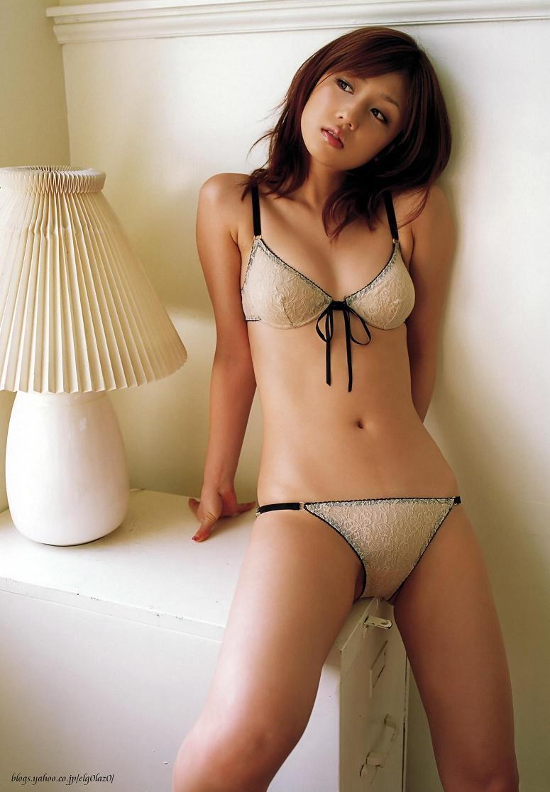 小倉優子さんのビキニ